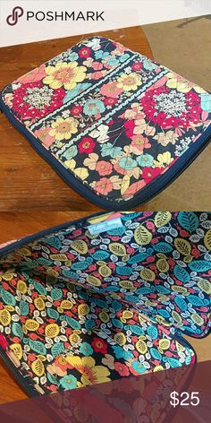 "Vera Bradley laptop case 13"" Vera Bradley laptop case. In perfect condition! Vera Bradley Accessories Laptop Cases"