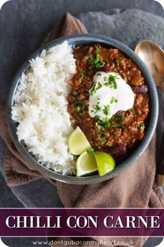 The BEST Chilli Con Carne Whether you call it Chili, Chilli or Chilli Con Carne, this version captures those rich and spicy flavours we all know and love & take them to new heights! This truly is THE best Chilli Con Carne recipe. Chilli Recipes, Meat Recipes, Mexican Food Recipes, Dinner Recipes, Cooking Recipes, Healthy Recipes, Ethnic Recipes, Quick Chilli Recipe, Minced Beef Recipes