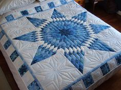 Dusty Old Thing website (Note - I need to find this pattern. It matches the one Ruth Wagener made that's on Judy's bed) Lone Star Quilt Pattern, Star Quilt Blocks, Star Quilt Patterns, Star Quilts, Colchas Quilting, Machine Quilting, Quilting Designs, Quilting Ideas, Amische Quilts