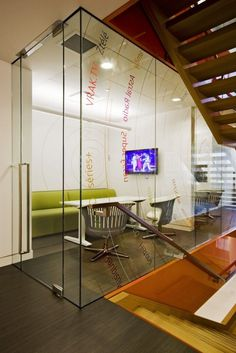 Like the glass walls - adds openness to conference rooms w/o windows (which aren't always an option!).