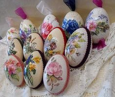 Decoupage - Edyta - Picasa Web Albums na Stylowi. Easter Crafts, Holiday Crafts, Recycled Crafts, Diy Crafts, Egg Shell Art, Egg Tree, Diy Ostern, Paper Ornaments, Easter Traditions