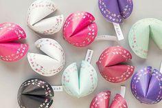 DIY Glückskekse selber machen - Valentinstagsgeschenk Bastelideen Check more at http://diydekoideen.com/diy-mannergeschenke-zum-valentinstag/