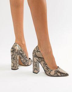 Shoe Boots, Shoes Sandals, Korean Fashion Kpop, Court Shoes, High Heel Pumps, Beautiful Shoes, Me Too Shoes, Heeled Mules, Fashion Shoes