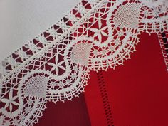El Rincón del Bolillo Bobbin Lacemaking, Crochet Trim, Crochet Lace, Lace Curtains, Crochet Borders, Tatting Lace, Lace Making, Lace Patterns, String Art