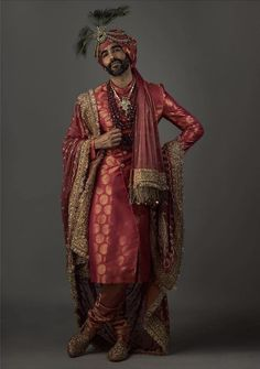In these sabyasachi sherwani, i am definitely sure that groom will look splendid. The heavy turban and shinning jewelry really gives royal looks to groom. Wedding Dresses Men Indian, Wedding Dress Men, Wedding Men, Punjabi Wedding, Indian Weddings, Farm Wedding, Wedding Couples, Boho Wedding, Wedding Reception