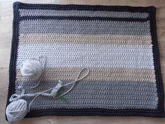 dywanik ze sznurka bawełnianego.Szydełko