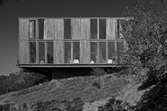 Hollywood Hills Box House (Eyster Residence) - Photo Credit: Josh Lieberman