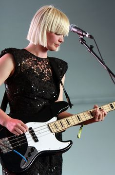 Sharin Foo (of The Raveonettes) and her kickass blunt yet oh-so-slick-and-cool bob.