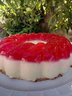 Γλυκάκι με κρέμα και ζελέ !!! ~ ΜΑΓΕΙΡΙΚΗ ΚΑΙ ΣΥΝΤΑΓΕΣ 2