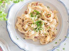 RETOUCH_2_One-Pot-Pasta-cremige-Fettucine-mit-getrockneten-Tomaten-und-Parmesan
