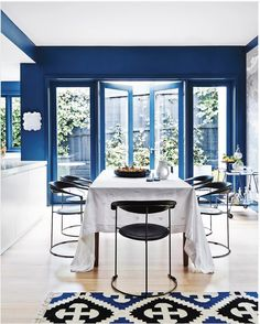 The Pantone Colour of the Year 2020 is Classic Blue. Here are 9 stunning interiors to inspire you to decorate in the shade. Furniture Inspiration, Interior Design Inspiration, Modern Light Fittings, Melbourne, Pantone 2020, Style Lounge, White Countertops, Luxury Interior Design, Home Decor Trends