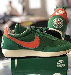 Clothing & shoes for Sale in New Jersey - OfferUp Retro Sneakers, Shoes Sneakers, Nike Waffle, 20s Outfits, Minimal Wardrobe, Nike Trainers, Red Wing, Nike Shoes Outlet, Vintage Shoes