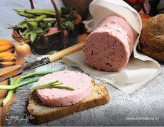 Колбаса постная из гороха. Приготовьте домашнюю постную колбасу из гороха. Она будет хороша в качестве закуски и подойдет для бутербродов на завтрак. Специи можно добавить любые, какие вам больше нравятся. По желанию можно разбавить фарш консервированной фасолью. #готовимдома #едимдома #кулинария #домашняяеда #колбаса #постная #горох #вкусно #постное #блюдо #закуска #набутерброды #фасоль
