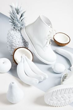 All White Outfits to Wear Before Labor Day Looking for some all white outfits? Wear these before Labor Day strikes! All white everything never looked so good. Check out these DIY OOTD Fashion Ideas. All White Outfit, White Outfits, Fred Instagram, Vaporwave, Prop Styling, Shades Of White, White Aesthetic, Aesthetic Art, Still Life Photography