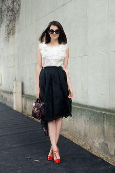 Street style moda en la calle tendencias faldas midi | Galería de fotos 15 de 44 | VOGUE
