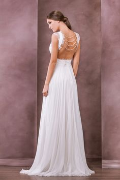Chloe wedding dress, 2015 Collection, Divine Atelier