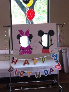 Cute Mickey Mouse birthday party photo idea