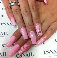On average, the finger nails grow from 3 to millimeters per month. If it is difficult to change their growth rate, however, it is possible to cheat on their appearance and length through false nails. Red Nail Art, Red Nails, Cute Nail Art, Love Nails, Pretty Nails, Cute Pink Nails, Nail Art Designs, Heart Nail Designs, Rose Nail Design