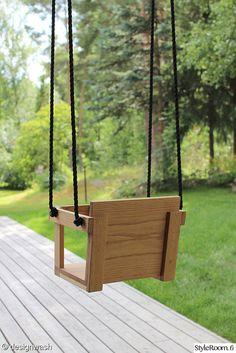 piha,terassi,Tee itse - DIY Wooden Baby Swing, Wood Swing, Backyard Playground, Backyard For Kids, Wood Shop Projects, Cnc Wood, Diy Chicken Coop, Outdoor Pergola, Baby Swings
