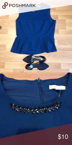 Gree blouse Azure gree blouse New York & Company Tops Crop Tops