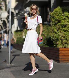 Feliz da vida batendo perna em Milão  usando meu tênis novidade da @olympikus em parceria com a @carolbassibrand ! Um rosa quartz para completar a linha de metalizados! #Olympikus #OlympikusparaCarolBassi #fhitsmilão @fhits