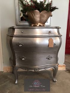 Miss Lillians Silver Metallic and black glaze By KC's Drab to Fab Silver Painted Furniture, Spray Paint Furniture, Painted Bedroom Furniture, Metal Furniture, Recycled Furniture, Furniture Projects, Furniture Makeover, Diy Furniture, Furniture Refinishing