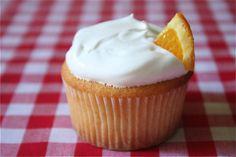 orange cupcakes? yummm :)