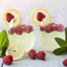 Delightful lemony limoncello Prosecco drink that is beautiful for any gathering. The perfect addition to a bridal shower or wedding event!