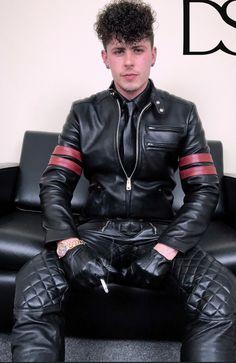 Leather Jeans Men, Biker Leather, Leather Harness, Leather Trousers, Leather Shorts, Leather Gloves, Leather Jacket, Bad Boy Style, Boy Fashion