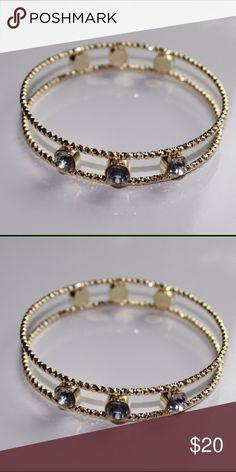 Gold Rhinestone Bracelet Beautiful Gold Rhinestone Bracelet! Pair with any outfit for a fabulous look! Jewelry Bracelets