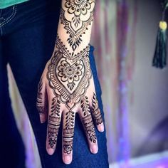 classic flower pattern mehndi design