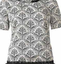 Dorothy Perkins Womens Pit Amsterdam Black and White graphic Graphic top with pretty details, short sleeves and round neck. 100% Polyester. Hand wash max. 30°C - 86°F. http://www.comparestoreprices.co.uk/womens-clothes/dorothy-perkins-womens-pit-amsterdam-black-and-white-graphic.asp