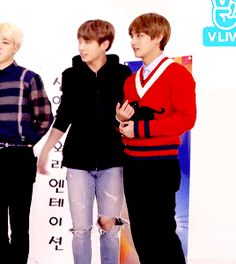 i love how tae didn't even look down. he just knew