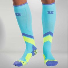 Innovative compression technology with a bold design. Our best selling Tech+ Compression Socks are now available in a POP design. - Prevent Injury and Alleviate Shin Splints - Superior Comfort - True Best Socks For Running, Running Socks, Shin Splint Exercises, Shin Splints, Thigh Sleeve, Knee Sleeves, Lower Leg Pain, Compression Leg Sleeves, Pop Design