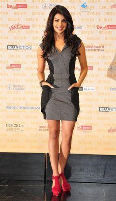 Priyanka Chopra style - bodycon dress - 'Quantico' star Priyanka Chopra's chic style