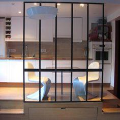 Verriere type atelier d'artiste et table en métal - Design et réalisation Les Ateliers du 4.