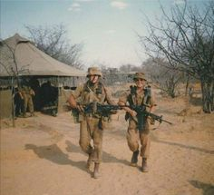 Military Art, Military History, Once Were Warriors, Army Pics, Army Day, Military Training, Tactical Survival, Modern Warfare, African History