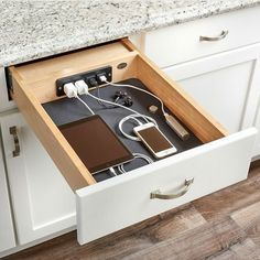 WOW how genius! I really need this in my kitchen AND bathroom Design by Wood Worker Access