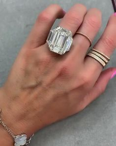 💎20 carats. Can't. Stop. Staring. 💖Which lucky girl is saying YES to this rock? Enjoy 5 Star diamond concierge service from one of the leading high jewelry industry experts in the world. Experience the new standard in ring shopping today! Visit our website to set up a diamond discovery call or to inquire about procuring your dream ring. Email: Sparkle@Missdiamondring.com #20carats #20carat #emeraldcut #emeraldcutdiamond #emeraldcutengagementring #10carat #10carats #emeralddiamond Harry Winston Engagement Rings, Radiant Engagement Rings, Tiffany Engagement, Luxury Engagement Rings, Classic Engagement Rings, Beautiful Engagement Rings, Diamond Rings, Diamond Jewelry, Emerald Cut Diamonds