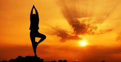 Yoga kicked my train tonight. Yes, against my better judgment I tested out a yoga class. I went to the Health and Power Yoga Studio loca. Yoga Ashtanga, Yoga Vinyasa, Bikram Yoga, Iyengar Yoga, Pranayama, Yoga Inspiration, Inspiration Fitness, Mantra, Yoga Significado
