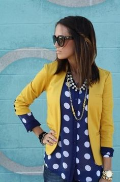 I like this look of the polka dot top under the yellow blazer. Not sure if I'd do a yellow blazer, but I do like this bold look. Fashion Mode, Look Fashion, Street Fashion, Womens Fashion, Net Fashion, Curvy Fashion, High Fashion, Luxury Fashion, Looks Street Style