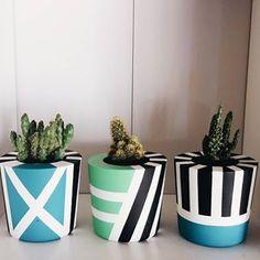Happy weekend 💛 #concretedesign #design #diseño #diseñoconcreto #concreto #cemento #colors #color #happy #deco #decoracion #decoration… Flower Pot Art, Flower Pot Design, Painted Plant Pots, Painted Flower Pots, Concrete Crafts, Concrete Art, Pots D'argile, Pottery Painting Designs, Garden Crafts