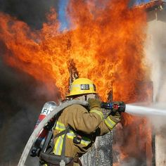 FEATURED POST @losangelesfiredepartment - SUNVALLEY - It took the first arriving twenty #LosAngeles Firefighters just 15 minutes to fully extinguish heavy flames in a detached residential garage in the 9200 block of Cayuga Avenue on November 13 2016. The non-injury #fre which remains under investigation also burned outside storage and damaged a recreational vehicle parked nearby. : Mike Meadows . CHECK OUT! http://ift.tt/2aftxS9 . Facebook- chiefmiller1 Periscope -chief_miller Tumbr…