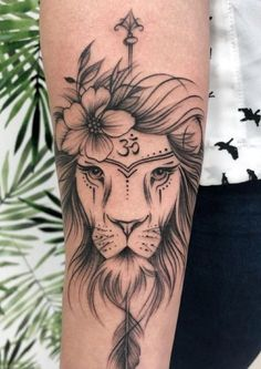 Geometric Animal Tattoo Ideas like the ones listed above are a complete rage these days. Form Tattoo, Tattoo L, Shape Tattoo, Piercing Tattoo, Piercings, Hand Tattoos, Leo Tattoos, Body Art Tattoos, Trendy Tattoos