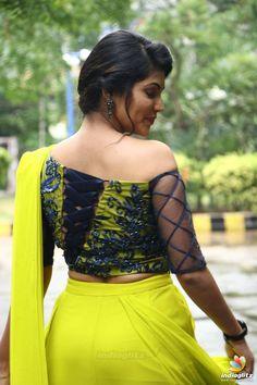 Indian Actress Hot Pics, Tamil Actress Photos, Indian Actresses, Beautiful Girl Indian, Most Beautiful Indian Actress, Beautiful Saree, Fancy Blouse Designs, Saree Blouse Designs, Beauty Full Girl