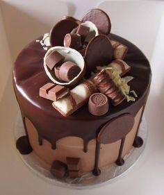 "374 gilla-markeringar, 1 kommentarer - @kakkutaikuri på Instagram: ""#chocolate #chocolatecake #dripcake #ganache #fathersday #suklaakakku #överikakku #drippikakku…"" Specialty Cakes, Cake Decorating, Deserts, Candy, Decoration, Inspiration, Instagram, Food, Sweet"