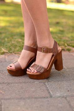 9b80e081b 88 mejores imágenes de calzado   Zapatos bonitos, Pantalones de ...