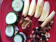 Low amylose lunch! Cucumber sandwiches with turkey and veggie cream cheese, nut trail mix, and apple with peanut butter.