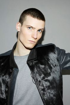 To querendo muito essa jaqueta! Surface to Air 2013 Fall/Winter Preview