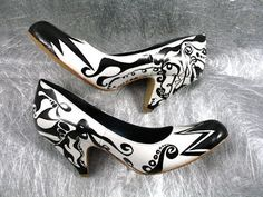 india ink sea life art shoes   ... Eclectic Shoe Boutique: Kaboom! Kapow! Custom Art Shoes Size 6 - Darn need 8 1/2 or 9!